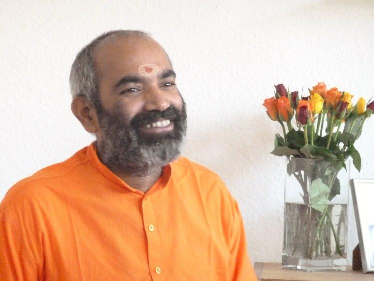 zwei workshops mit swami tattva in der yogagarage n rnberg. Black Bedroom Furniture Sets. Home Design Ideas